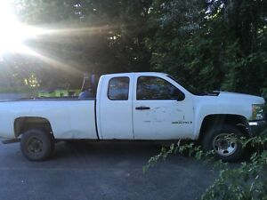 2008 Chevy 2500 long box