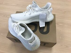 Yeezy Boost cream size 10