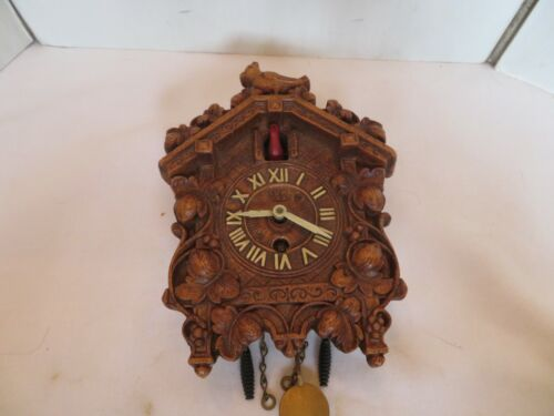 VINTAGE LUX CLOCK MFG CO MINIATURE CUCKOO CLOCK
