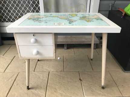 Desk with world map home garden gumtree australia free local desk kids retro world map top gumiabroncs Image collections