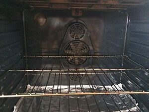 Samsung Conventional  Oven  Stove   Cornwall Ontario image 4