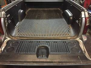 HOLDEN COMMODORE VU VY VZ UTE PLASTIC TUB LINER TRAY LINER Kingswood Penrith Area Preview