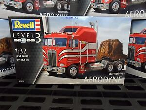 Revell  Germany  07671  1:32  KENWORTH AERODYNE  1 Truck Kit  RMG7671