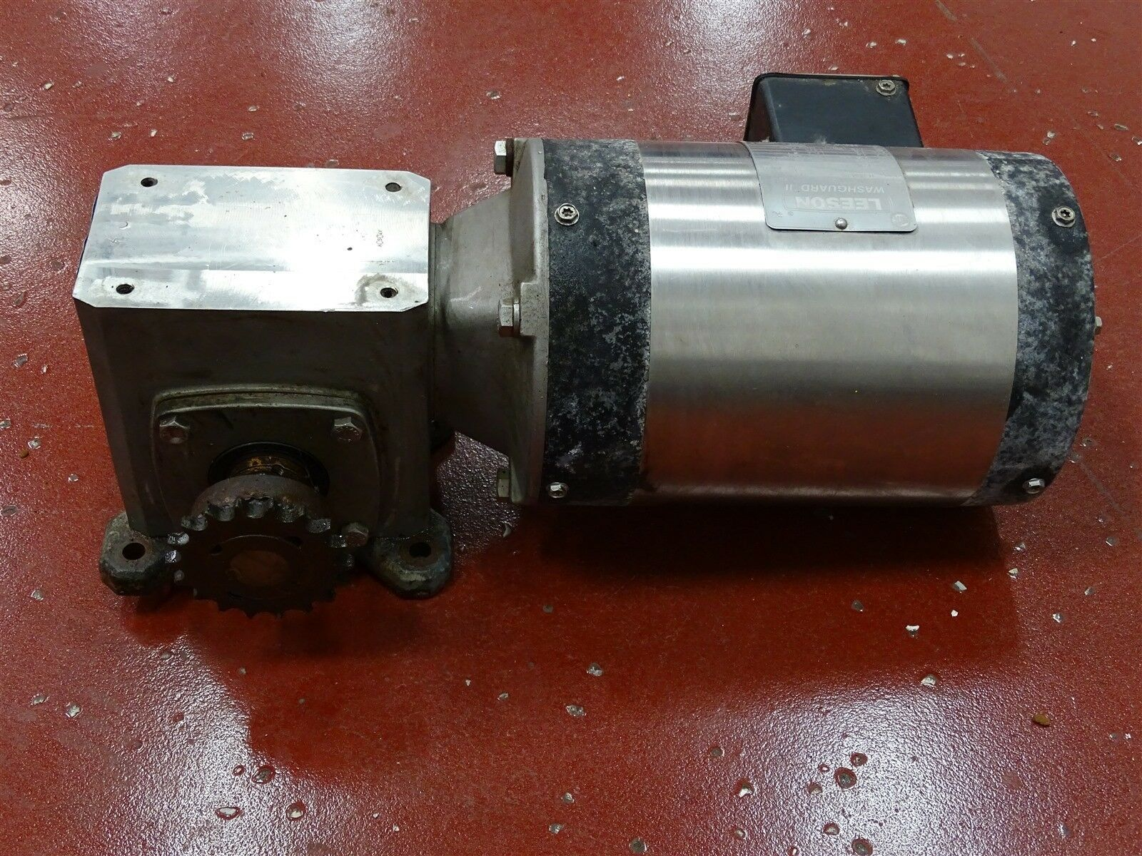 Leeson CZ6T17VC10C Electric Motor 1/2HP 3PH 1725RPM w/ Baldor Reducer Ratio 40:1