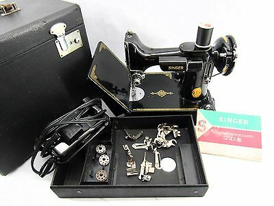 Great Vintage 221 Singer Featherweight Sewing Machine w/Case & Accessories