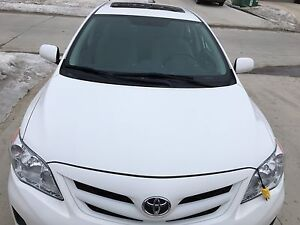 Toyota Corolla MOONROOF Package