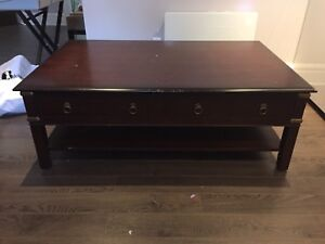 Beautiful Coffee Table - make a reasonable offer