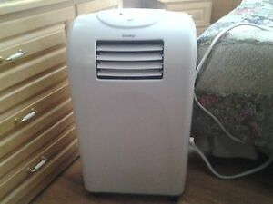DANBY PORTABLE AIR CONDITIONER AND DEHUMIFIER