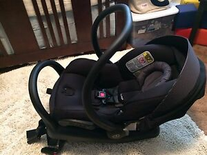 Brand New Condition Maxi Cosi Micro Max 30