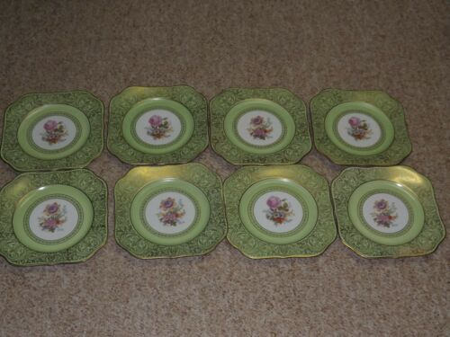 8 Tirschenreuth Square Dinner Plates Gold Filigree over Green with Floral Center
