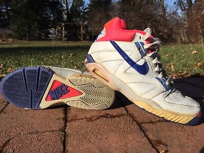 cb26ae49e2b62 Vintage Nike Air Tech Challenge Low Size 12 1990s RARE Deadstock