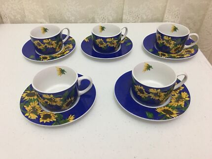 Tea, coffee mug set