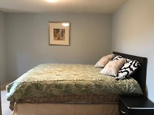 ROOM FOR RENT/AVAILABLE NOW!