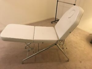 Facial bed - white & adjustable