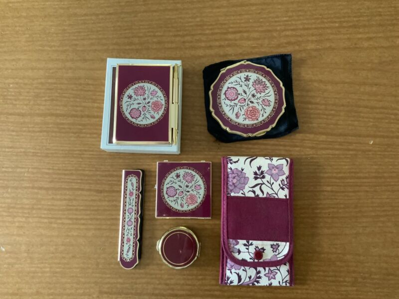 Stratton Floral Cosmetic. Includes Powder, Mirror, Combs, Pill, Notebook