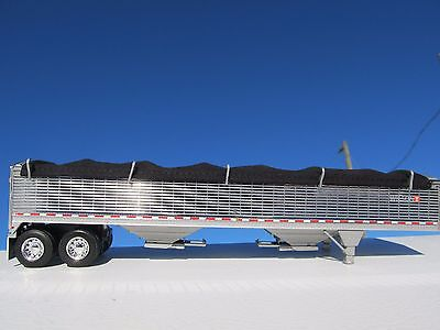DCP 1/64 SCALE WILSON GRAIN TRAILER CHROME WITH BLACK TARP AND SILVER HOPPERS 3