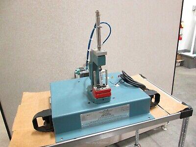 Janesville Mfg A-500-ot Pneumatic Press 12lb80psi 120vac 2 Dye Stroke Wtimer