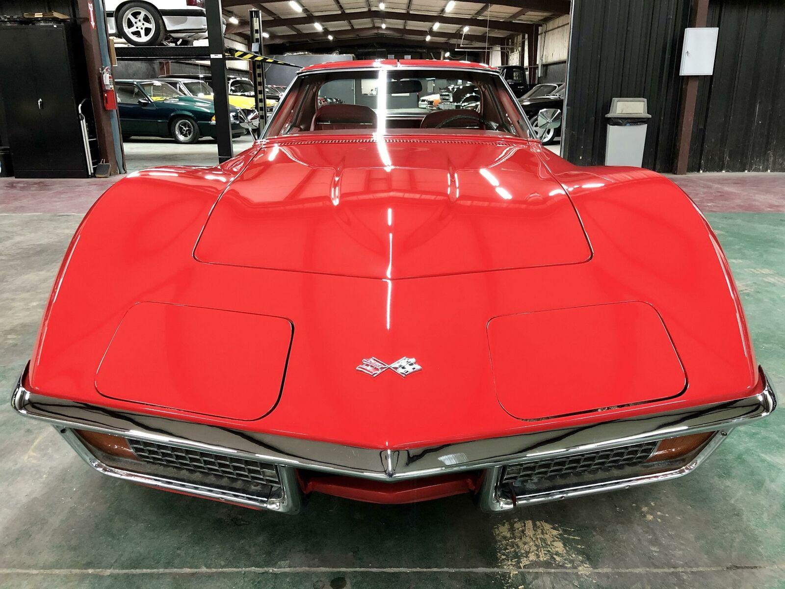 1972 Red Chevrolet Corvette     C3 Corvette Photo 8