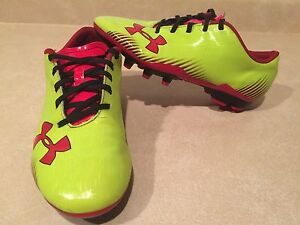 Youth Under Armour Outdoor Soccer Cleats Size 4.5