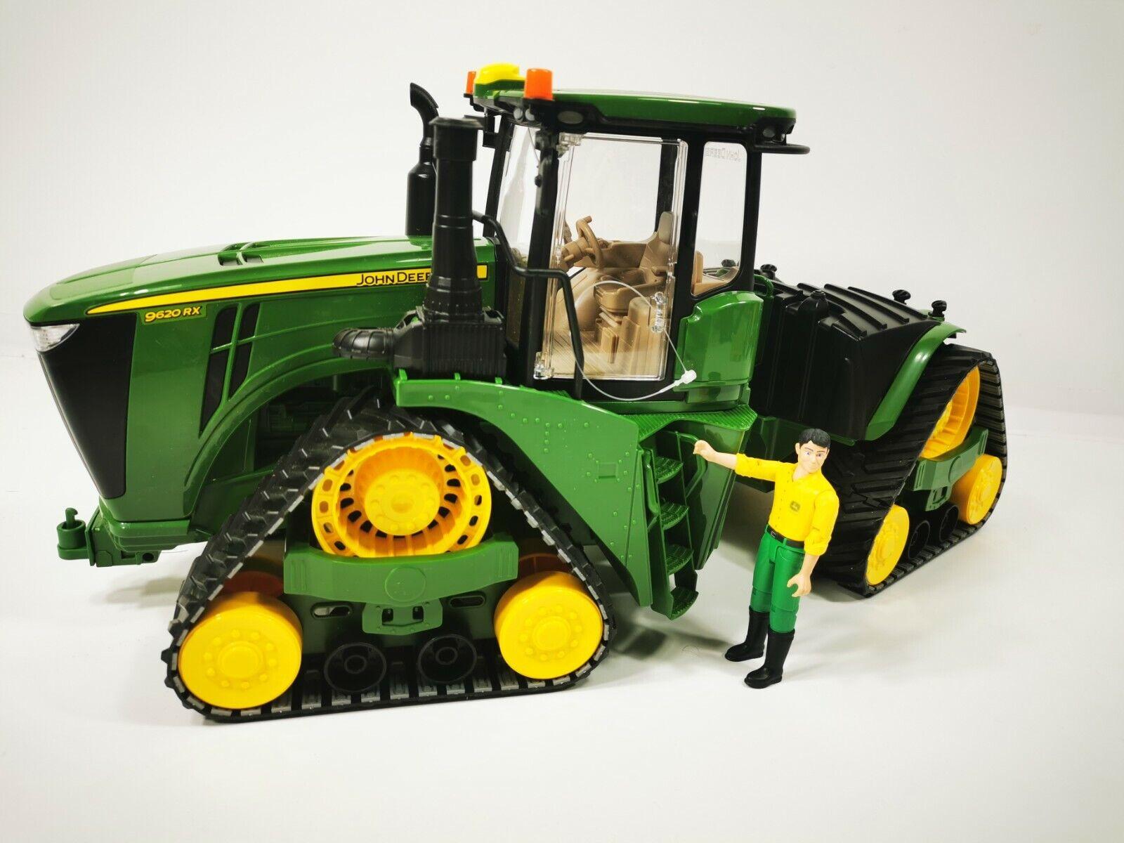 Bruder 04055 John Deere 9620RX Raupenfahrwerk mit Figur Mann Anhänger Traktor