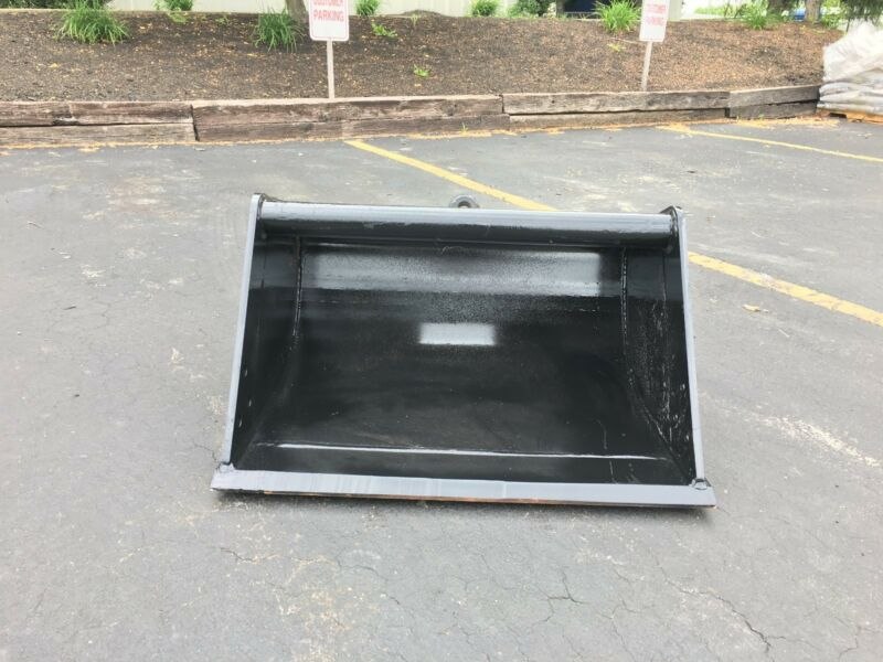 "New 36"" Wain Roy Style Ditch Cleaning Bucket: Fits 9-12k Machines - 1.25"" Pin"