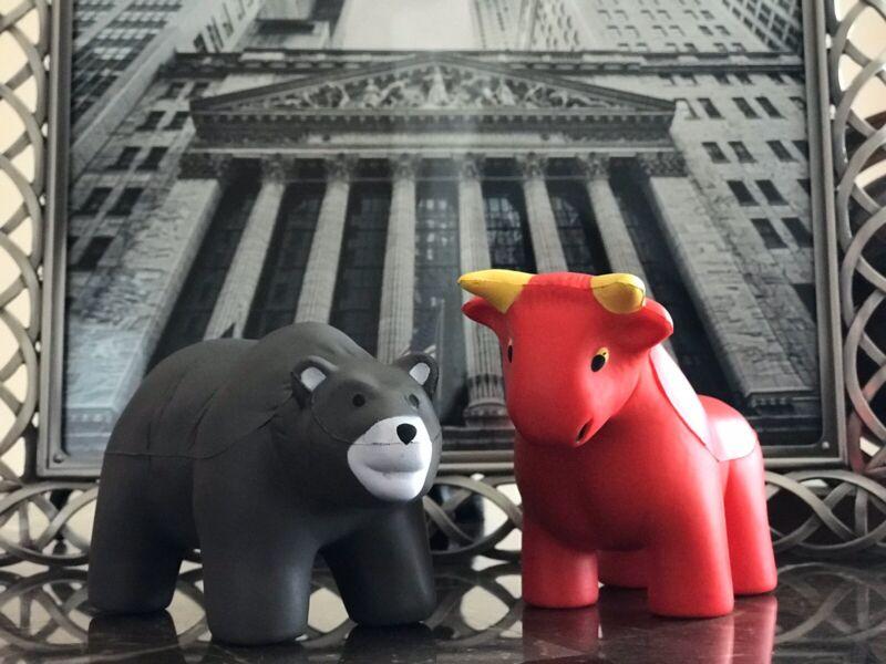 Stock Market Bull And Bear Combo Mad Money Wall Street Financial Advisor