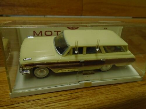 VINTAGE 60s Ideal MOTORIFIC WHITE FORD WAGON Chassis+Motor+Display Case