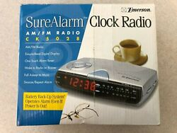 EMERSON ALARM CLOCK AM FM DIGITAL RADIO BATTERY BACK UP & SNOOZE CK5028 USED