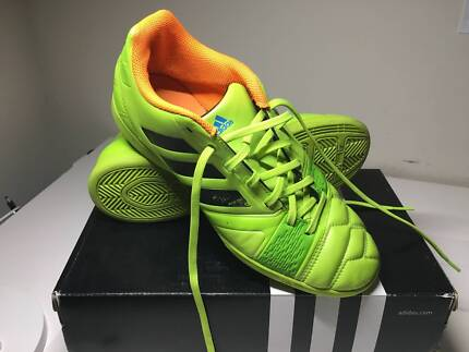 Futsal/Indoor Soccer Adidas US Size 7 1/2 in good condition