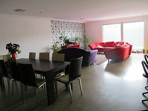 Double bedroom with private bathroom in amazing beach house South Fremantle Fremantle Area Preview