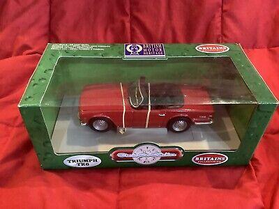 ERTL BRITAINS COLLECTIBLES ~ Triumph TR6 1:18 Scale Diecast Model Car - Red