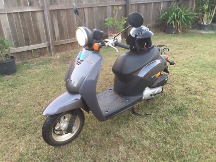 2006 Honda today scooter like new Avenell Heights Bundaberg City Preview