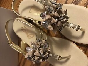 Size 7 Onex sandals with jewels