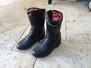Bargain! Women's RST 'Raptor 2' W/P motorcycle boots, size 39 Annandale Leichhardt Area Preview