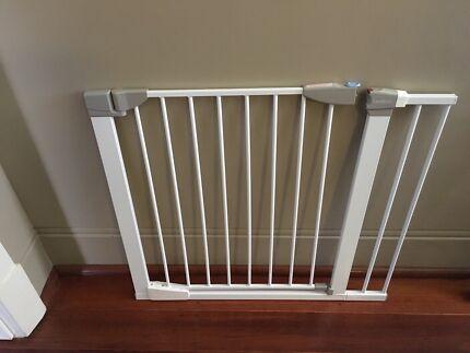 Lindam munchkin baby gate