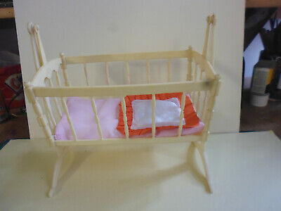 VINTAGE 1970S PALITOY.''CARRIES''DOLLS SWINGING COT/CRIBB.