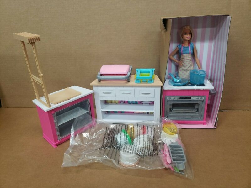 Barbie Ultimate Kitchen Play Set 20+ Pieces Lights & Sounds NEW  no box