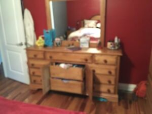 Moving sale - 5 pc bedroom set - solid maple