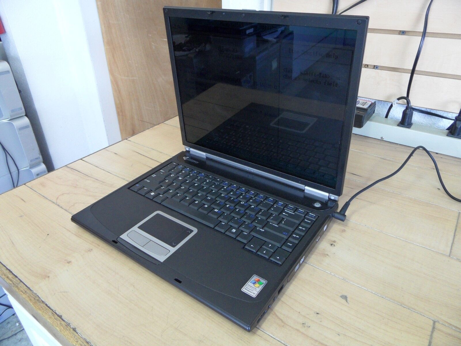 Gateway 4024 Laptop For Parts Posted Bios No Hard Drive *