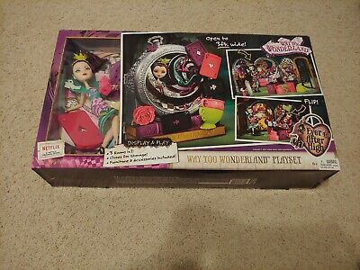 Ever After High Show (Ever After High Way Too Wonderful Playset Raven Queen Display &)