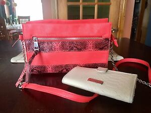 """Purse and """"Jessica Simpson"""" wallet"""