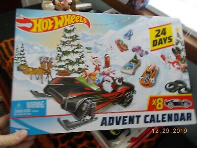 Unopened Hot Wheels 2019 24 day Advent Calendar with 8 cars & 16 Accessories