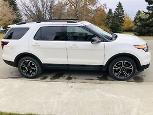 2015 White Ford Explorer Sport - Excellent condition