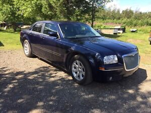 *Chrysler 300 Touring* Excellent shape!