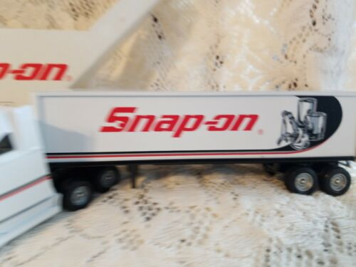 SNAP-ON TOOLS LIMITED EDITION 1996 FREIGHTLINER 1:64 SCALE BY WINROSS VINTAGE 2