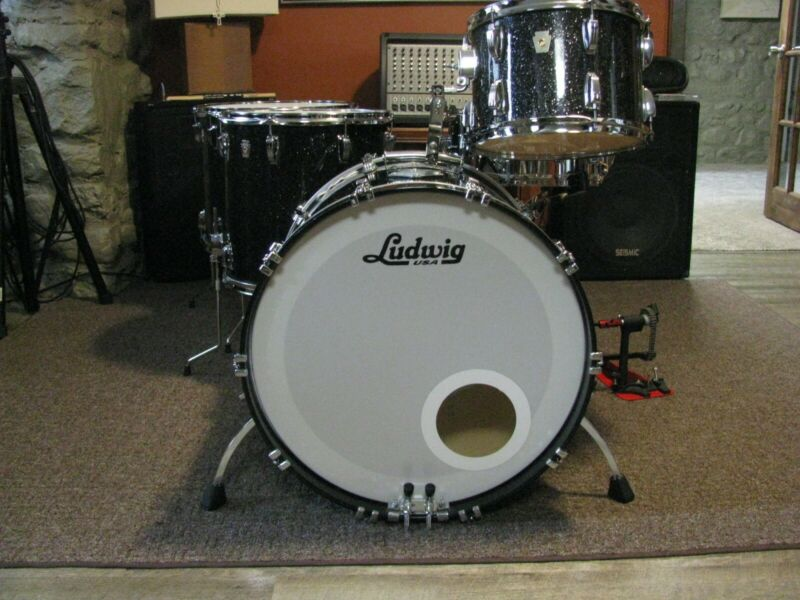2011 Ludwig classic maple 22,18,16,13 black glass glitter I owner with gig bags