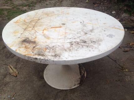 Free table Tugun Gold Coast South Preview