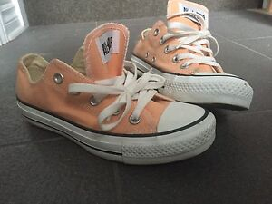 Souliers converse NEUF