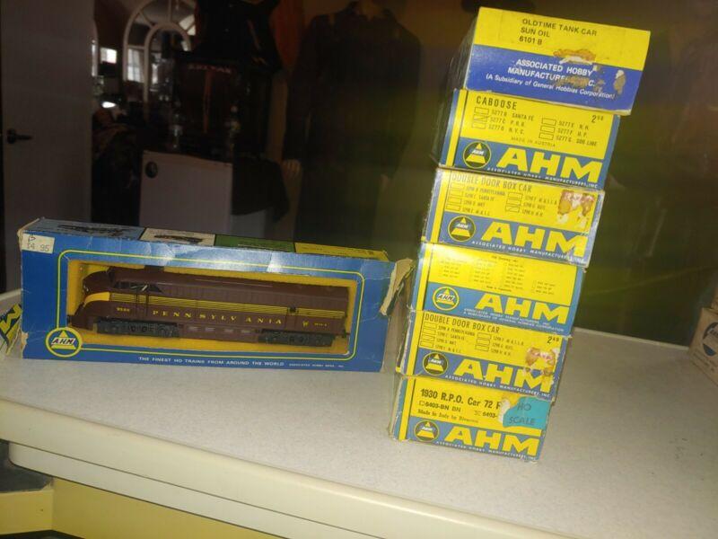 Vintage  AHM, HO scale train cars lot. 5 Cars 1 engine