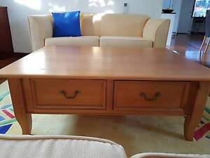 Coffee table + 2 side tables. Moving house sale. Castle Cove Willoughby Area Preview